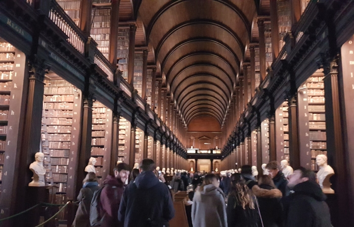 Long-room-Trinity-college-Dublín