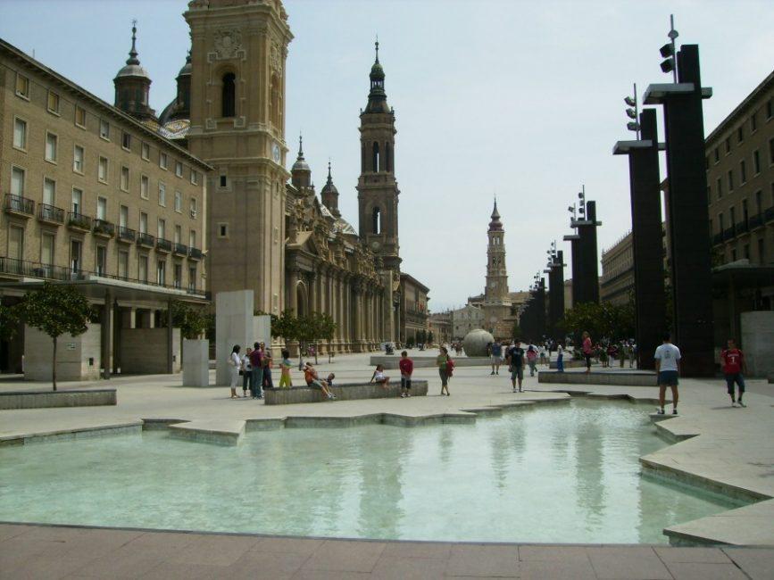 La Plaza del Pilar, cetro neurálgico de la ciudad en la que suele haber eventos diferentes los fines de semana
